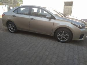 Toyota Corolla Altis D 4D G(L) (2015) in Lucknow