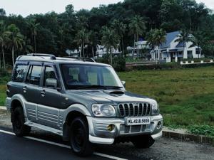 Mahindra Scorpio 2.6 GLX (2006)