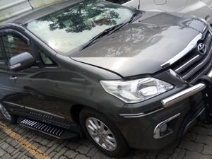 Toyota Innova 2.5 ZX (Diesel) 7 STR Euro4 (2014) in Alappuzha