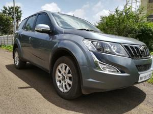 Mahindra XUV500 W10 FWD AT (2017) in Shirdi
