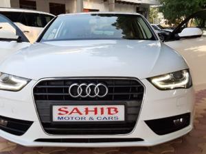 Audi A4 2.0 TDI Premium+ (2013) in Agra