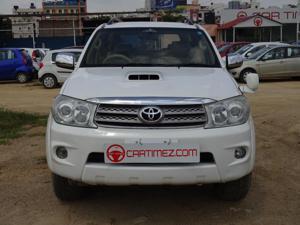 Toyota Fortuner 3.0 MT (2010)