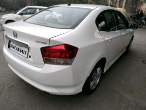 Honda City 1.5 E MT (2011)