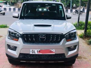 Mahindra Scorpio S10 2WD Intelli-Hybrid (2017) in New Delhi