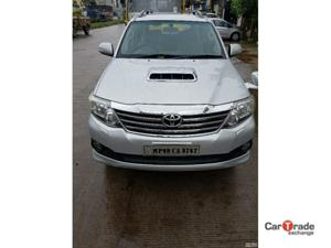 Toyota Fortuner 3.0 4X4 MT (2012) in Dewas