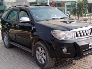 Toyota Fortuner 3.0 MT (2009)