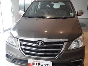 Toyota Innova 2.5 G (Diesel) 8 STR Euro4 (2015) in Noida