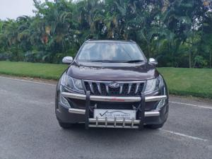 Mahindra XUV500 W10 AWD AT (2016)