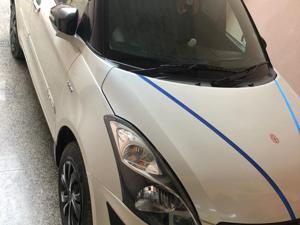 Maruti Suzuki Swift Dzire VXi (2015) in New Delhi