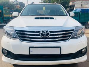 Toyota Fortuner 3.0 4X2 MT (2013) in New Delhi