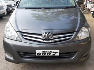 Toyota Innova 2.5 G4 7 STR (2010) in Raisen