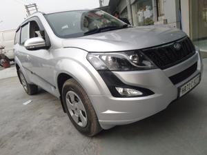 Mahindra XUV500 W4 FWD (2017) in Faridabad