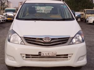 Toyota Innova 2.0 G4 (2008) in Ambikapur