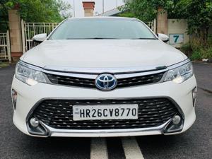 Toyota Camry Hybrid (2016)