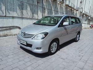 Toyota Innova 2.5 G (Diesel) 8 STR Euro4 (2010)