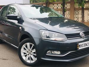 Volkswagen Polo Highline1.2L (P) (2015)