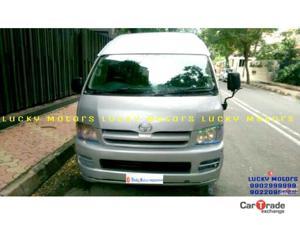 Toyota Commuter HiAce 3.0 L (2008)