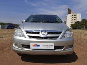 Toyota Innova 2.0 G4 (2008) in Shirdi