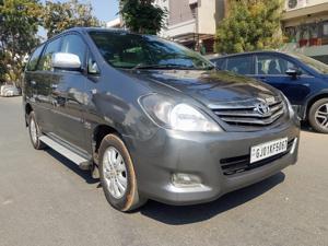 Toyota Innova 2.5 EV MS 7 STR BS IV (2010)