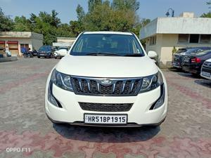 Mahindra XUV500 W10 AWD AT (2017)