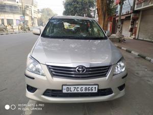 Toyota Innova 2.5 GX 8 STR (2012) in New Delhi