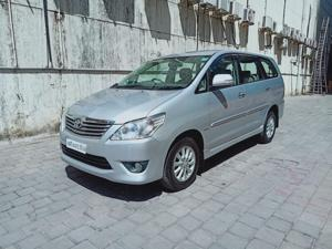 Toyota Innova 2.5 VX 8 STR (2013) in Thane