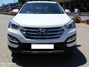 Hyundai Santa Fe 4 WD (AT) (2014) in Mumbai