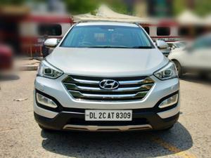 Hyundai Santa Fe 4 WD (AT) (2015) in Gurgaon