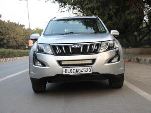 Mahindra XUV500 W8 FWD AT (2017)