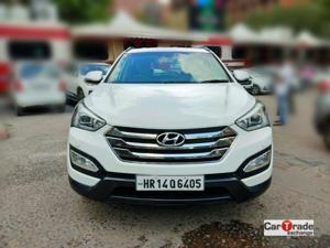 Hyundai Santa Fe 4 WD (AT) (2014) in New Delhi