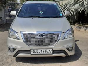 Toyota Innova 2.5 VX (Diesel) 8 STR Euro4 (2015) in Ahmedabad
