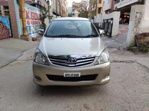 Toyota Innova 2.5 G4 8 STR (2011) in Hyderabad