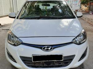 Hyundai i20 Magna 1.2 (2012) in Mumbai