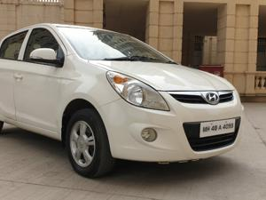 Hyundai i20 Asta 1.2 (O) With Sunroof (2012)