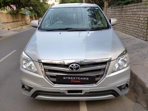 Toyota Innova 2.5 VX (Diesel) 7 STR Euro3 (2014) in Bangalore