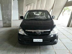 Toyota Innova 2.0 V (2006)