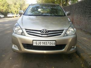 Toyota Innova 2.5 G4 8 STR (2010) in Ahmedabad