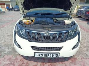 Mahindra XUV500 W10 FWD AT (2017) in Gurgaon