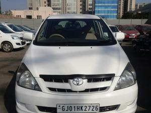 Toyota Innova 2.5 G (Diesel) 8 STR Euro3 (2005)