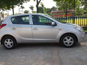 Hyundai i20 Asta 1.2 (O) With Sunroof (2009) in Moradabad