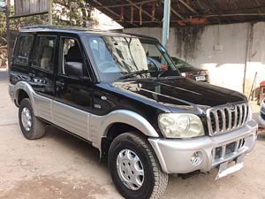 Mahindra Scorpio 2.6 DX (2004)