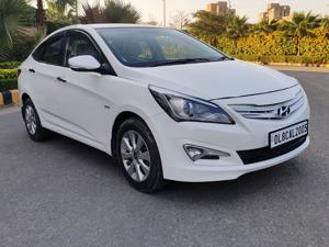 Hyundai Verna Fluidic 1.6 VTVT (2015)