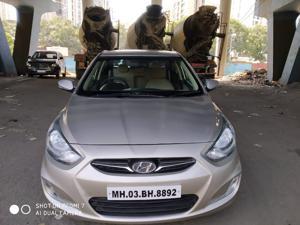 Hyundai Verna Fluidic 1.6 VTVT SX (2013)