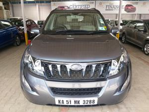 Mahindra XUV500 W10 FWD AT (2017)