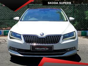 Skoda Superb Style TDI AT (2017)