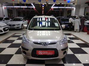 Hyundai i10 Sportz 1.2 AT (2010)