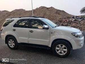 Toyota Fortuner 3.0 4X4 MT (2012) in Pune