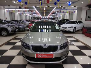 Skoda Octavia Style Plus 1.8 TSI AT (Petrol) (2016)