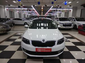 Skoda Octavia Style Plus 1.8 TSI AT (Petrol) (2016) in Bangalore