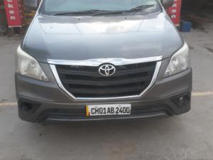 Toyota Innova 2.5 G4 7 STR (2009) in Panchkula